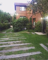 Duplex Cariló, Jacaranda entre Avutarda y Albatros, 7167, Carilo