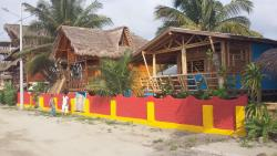Casa Banana, Calle La Fosforera S/N Beside the Hotel Bambú, 080350, Mompiche