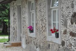 Puurmani Guesthouse, Tallinna mnt. 9, 49014, Puurmani