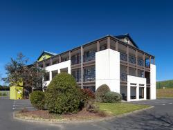 B&B Hôtel Cherbourg, Rue des Marettes, 50470, La Glacerie