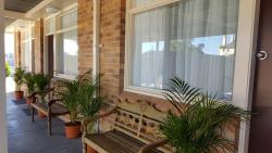 Royal Motel Tenterfield, 130  High Street, 2372, Tenterfield