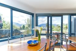 Alpzview Guesthouse, 11 Hores Lane, 3697, Mount Beauty