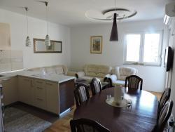 Apartman Tina, Vuka Karadžića br 14, ulaz br. 3, 89000, Trebinje