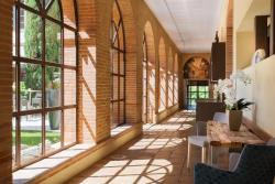 Abbaye des Capucins Spa & Resort - BW Premier Collection, 6-8 Quai De Verdun, 82000, Montauban