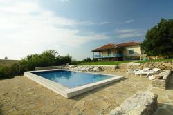 Botev Houses, Ulitsa Batak 10, 7751, Mirovets
