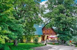 Willa Chatka Puchatka, Plac Wczasowy 5, 58-573, ピエホビツェ