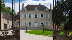 Chambres d'hôtes Le Clos des Tilleuls, 12 Place du 11 Novembre 1918, 71150, Demigny