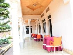 Martin Aviator Motel, MARTIN AVIATOR MOTEL IS LOCATED 50 meters FROM KIGALI INTERNATIONAL AIRPORT,, Kanombe