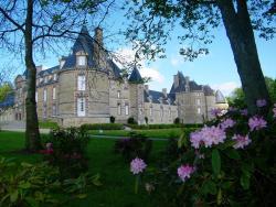 Chateau de Canisy, 6-8 Rue De Kergorlay, 50750, Canisy