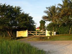 Casa del Caballo Blanco, Bullet tree road,, San Ignacio