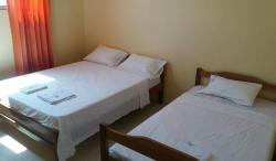 Hostal Montecarlos, Puerta 3909 Calle 56 S-N entre 36 y 37, 241550, Salinas