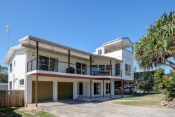 Surf Song, 28 George Nothling Drive, 4183, Point Lookout