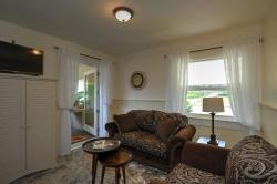 Harvest Moon Guest House, 5503 White St, V0H 1Z7, Summerland