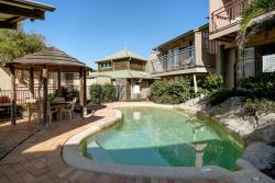 13 Point Lookout Beach Resort, 13/4 Kennedy Drive, 4183, Point Lookout