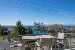 First Point Down, 2/23 Mooloomba Road, 4183, Point Lookout