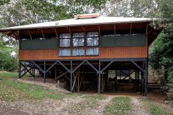 Bimba House, 3 Bimba Street, 4183, Point Lookout