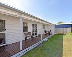 Portarlington Holiday Home, 28 Welfare Street, 3223, Portarlington