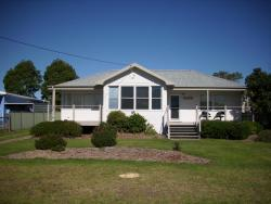 Moruya Holiday House, 31 River Street, 2537, Moruya