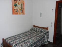 Hostal Via Del Caminante, Plaza de La Ermita, 3, 10110, Madrigalejo