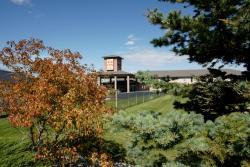 R&R Inn & Suites, 6508 48 Avenue, Highway 13, T4V 3A3, Camrose