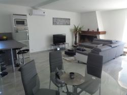 Residence du Midi, 20 Avenue des Thermes, 32150, Cazaubon