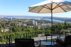Sea View Garden Luxury Guest House, 888 Sentinel Dr, V7T 1T2, West Vancouver