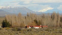 Hostería Estancia Turística La Serena, Ruta N°43 acceso este a 29 km de La Localidad de Perito Moreno camino a Los Antiguos, 9040, Perito Moreno