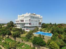 La Residence Hotel & Spa, Peacock Road,, Adama