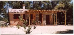 Chalet Castellas dans un parc forestier, 210  chemin Derrière Devin, 84760, Saint-Martin-de-la-Brasque