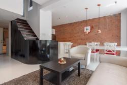 Modern Three-Bedroom Loft in Plateau Mont-Royal, 3919 Rue Saint-Denis, H2W 2M4, Montréal