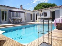 Rental Villa La Couarde Sur Mer Avec Piscine Sur Beau Jardin Clos, 9 Rue Des Passajeaux, 17670, Loix