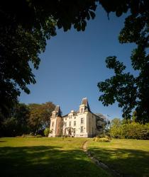 Hôtel Château de la Marlière, 64 Rue Théophile Legrand, 59610, Fourmies