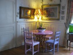 Pear Blossom House, 14 rue de la résistance, 22530, Mur-de-Bretagne