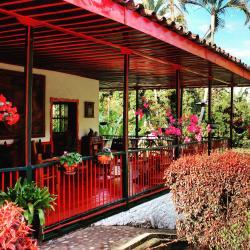 Brisas del Ensueño, Vereda El Prado, Montenegro, Quindio, Colombia Kilometro 4 desde pueblo Tapao, 633007, La Esmeralda