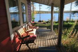 Puolukkamaan Pirtit Cottages, Puolamajärventie 18, 95790, Lampsijärvi