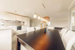 AIRSTAY - Luxury Apartment BASEL, Langmattweg 2, 4123, Allschwil