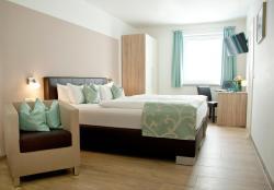 Hotel Claro Garni, Reisener Straße 23a, 85462, Eitting