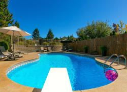 Poolside Retreat, 5120 Cousins Road, V0H 1X2, Peachland