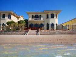 Hometown - Villa Palm Jumeirah, Frond E,, Dubai