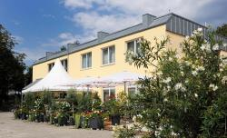Am Schlosspark, Emmrich-Joseph-Str. 11 - 13, 67550, Worms