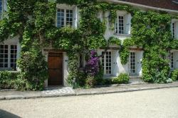 La Maison du Rond des Fées, Place Saint Barthélémy, 77750, Saint-Ouen-sur-Morin