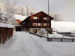 Chalet Nidus Montis, Dorfstrasse 12, 7433, Wergenstein