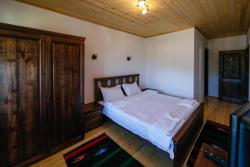 Kalpacite Guest Hauses, Skrebatno village Garmen Municipality, Blagoevgrad Province, 2964, Skrebatno