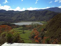 Agroturismo Finca Sermide, Ruta 224, Valle de Ujarrás, Ajenjal, de la plaza de deportes 300 noreste sobre calle San Casimiro,, Cachí