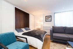 Austin David Apartments - Canal Retreat Apt., Flat 14 Trident House, 76 Station Road, UB3 4FP, Hayes