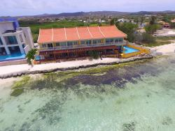 Aruba Beach Chalets Holiday Homes, 178 B Savaneta Chalet 1 & 2,, Savaneta