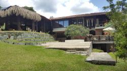 Casa Campestre Rancho Linares, Vía Armenia Club Campestre, Kilometro 9, frente a Cenexpo, 630001, El Edén