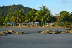 Zen Spirit yoga resort, 600 mts al sur del restaurante el Barco, Playa Costa de oro, 50906, Puerto Coyote