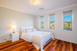 Getaway Holiday House Bankstown, 55 Stansfield Ave, 2200, Bankstown