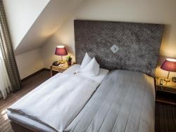 "Hotel ""Schloss Friedestrom"", Parkstraße 2, 41541, Dormagen"